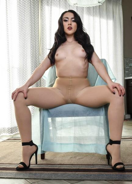 Mandy Muse, Alex Legend - Penetrating Pantyhose